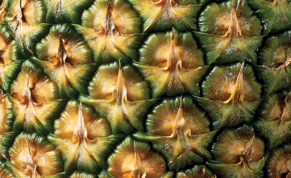 DelMonteProductImage-Macro-Pineapple_1-988X604